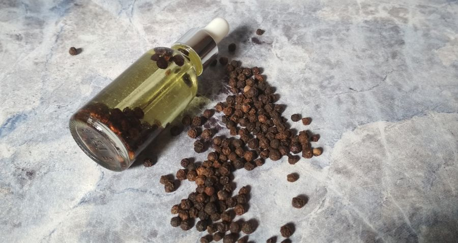 Domowy olejek na porost włosów