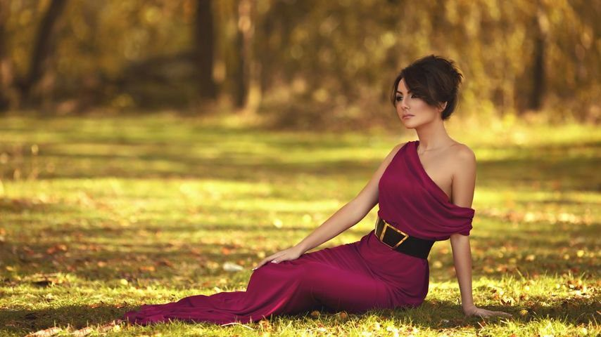 Sukienki maxi – dlaczego warto postawić na …długość?