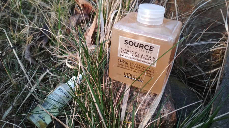 L'Oréal Professionnel Source Essentielle Jasmine Flowers & Sesame Oilszampon odżywczy do włosów suchych i wrażliwych